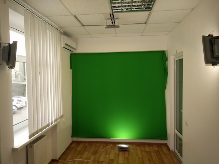 Студия, где Роман Кежелис записывает видео